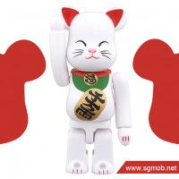 100 Bearbrick White Lucky Cat ver 2 (2014)