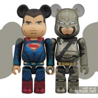 100% Bearbrick Superman & Armored Batman box set (2016)