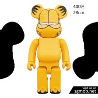 400 Bearbrick Garfield (Oct 2018)